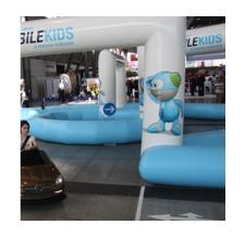 Action Games aufblasbarer Parcours Mercedes