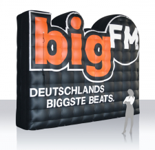 Logo aufblasbar - Radio bigFM Rückwand