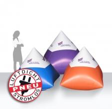 Werbebojen in Pyramidenform
