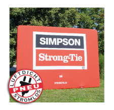 aufblasbare robuste Werbewand stromlos - Pneu Wand Simpson