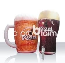 Aufblasbare Bierkrüge XXL riesengroß - Kozel