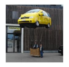 fliegende Werbung - Mercedes
