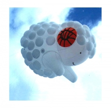 Riesenballon fliegend - Sonderform Schaf
