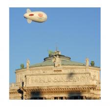 Fliegender Helium-Zeppelin - Stadt Wien