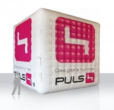 aufblasbarer Riesenwürfel - Puls 4