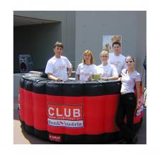 Promotiontheke aufblasbar - Info Bar Halbkreis Club Bank Austria